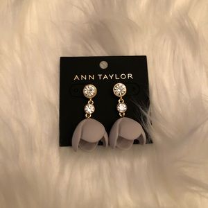 New Ann Taylor Gray Gold Tone Tulip Earrings